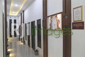 Area lorong kamar dengan dekorasi minimalis