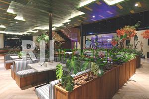 Dekorasi interior dengan unsur alami
