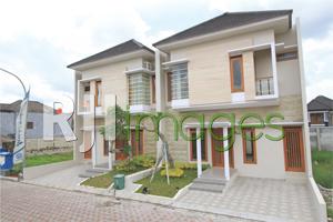 Deretan rumah Mukti Sendangadi Residence tipe 102 (Camani)