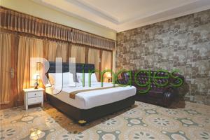 Kamar tidur dengan dekorasi interior nan classy