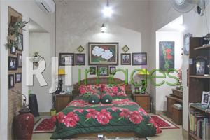 Kamar tidur dengan nuansa minimalis klasik