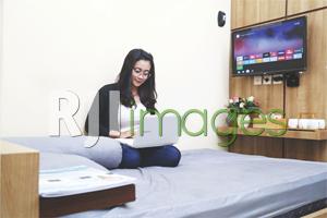 Kenyamanan kamar dengan fasilitas ala hotel