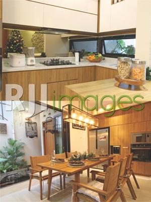 Kitchen set modern minimalis dan ruang makan