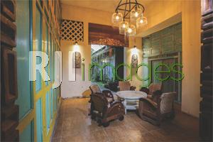 Lounge area bernuansa Jawa Klasik