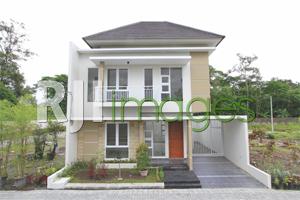 Rumah contoh tipe 100 Villa Bougenville