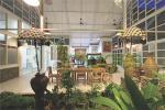 Area ruang makan indoor dengan sentuhan ala Bali
