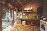 Konsep sederhana pada area dapur dengan fasilitas modern