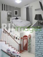 Ruang santai lantai 2 dan kamar anak laki-laki